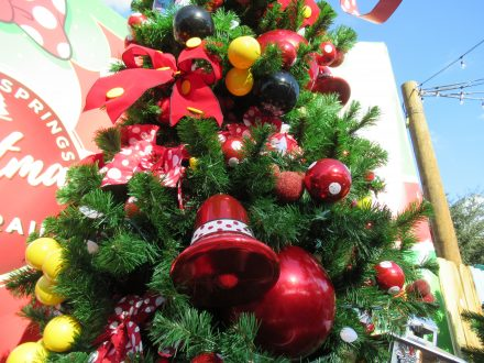 Fun, FrugalWays to Spend Christmas In Orlando