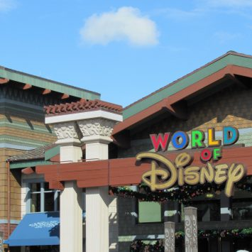 The Best Free Things To Do With Kids At Disney Springs