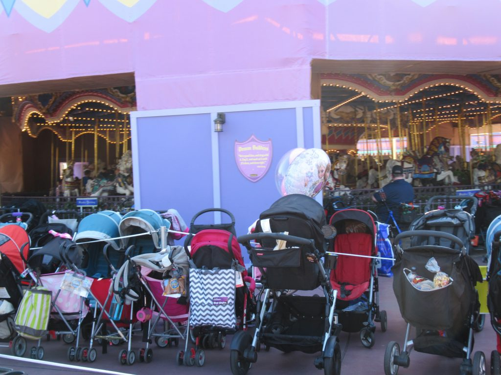 If you have small kids, a stroller is pretty much a Walt Disney World Vacation essential. But which stroller should you pick? This post features the best mom-recommended strollers for your trip through the Disney parks.
