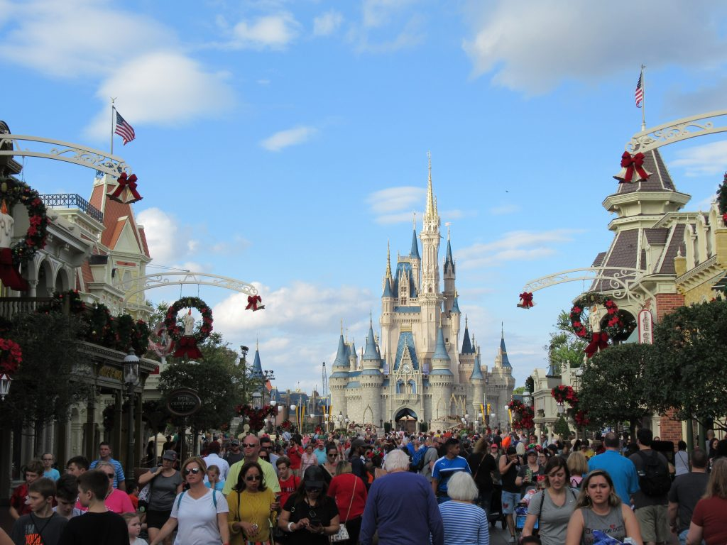 Navigating a stroller through Disney parks could be tricky
